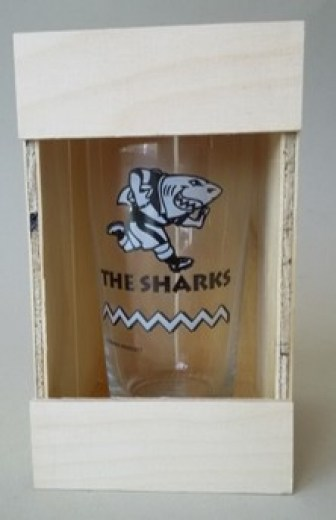 SHARKS GLASS IN CRATE